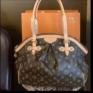 SOLD Beautiful authentic Louis Vuitton Tivoli gm